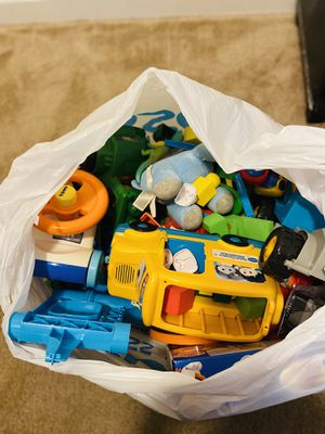 Free Kids Toys for Sale in Chicago, IL