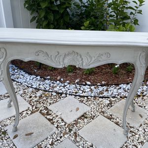 Beautiful Solid Wood Hand Painted Sofa Table/ entryway Table for Sale in Pinellas Park, FL