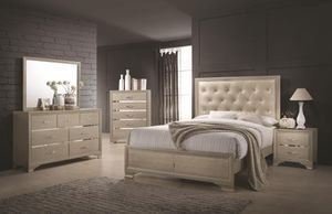 BRAND NEW 6PC BEDROOM CHAMPAGNE SET INCLUDES: MIRROR, DRESSER, NIGHTSTAND, BEDFRAME, MATTRESS AND BOX SPRING AND CHEST. for Sale in Antioch, CA