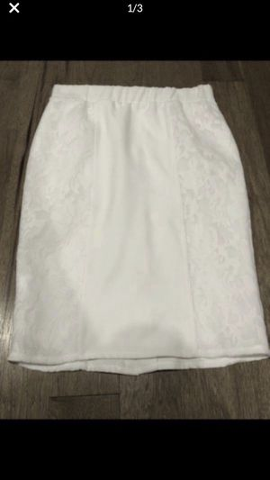 White skirt size 1x for Sale in Battle Ground, WA