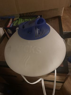 Vick's humidifier for Sale in Roswell, GA