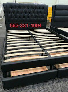 Black Faux Leather Queen bed with Drawers , Mattress Included, Con Colchon for Sale in Caruthers, CA