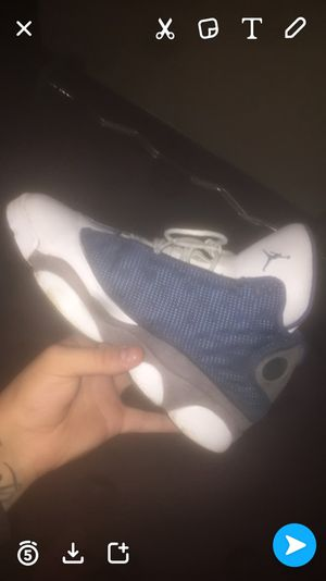 (Seperated) Air Jordan Flint 13 size 7 for Sale in Hyattsville, MD