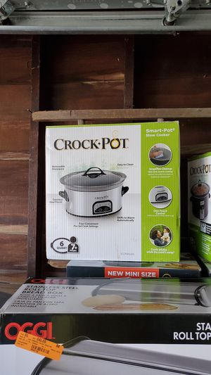 Crock pot 6 quart and 4 quart for Sale in Cleveland, OH