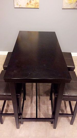 Espresso Dining Room Table with matching Bar Stools for Sale in Fort Washington, MD