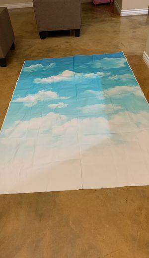 Backdrop de nubes Nuevo for Sale in Bloomington, CA