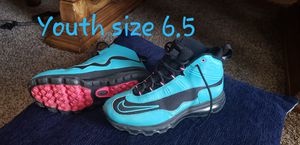 Nike tennis shoes size youth 6.5 for Sale in Franklin, TN