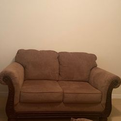Love Seat Brown for Sale in Kissimmee,  FL