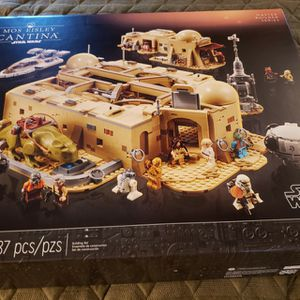 LEGO Star Wars MOS EISLEY CANTINA 75290 Master Builder Series Factory Sealed NEW for Sale in West Palm Beach, FL