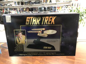Star Trek U.S.S. Enterprise NCC-1701 Lighted Figurine for Sale in La Habra Heights, CA