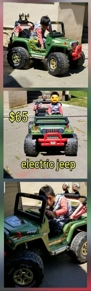 Electric jeep  $65 No incluye el cable para cargar la bateria tengo  mas cosas Pick up only for Sale in San Jose, CA