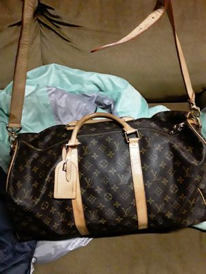 Authentic Louis Vuitton duffel bag for Sale in Vallejo, CA