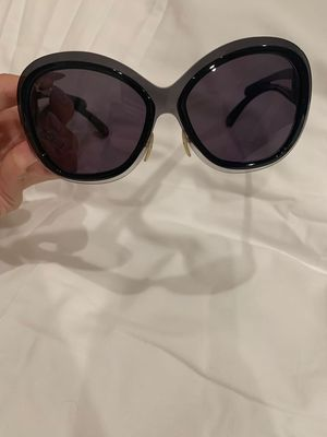 Louis Vuitton sunglass for Sale in Irvine, CA