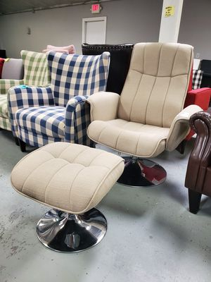 Chair and ottoman for Sale in Fontana, CA