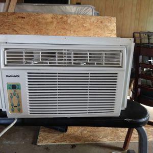Magnavox Window Ac Unit for Sale in Grosse Ile Township, MI
