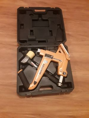Bostitch manual floor nailer mfn-201 used for Sale in Orland Park, IL