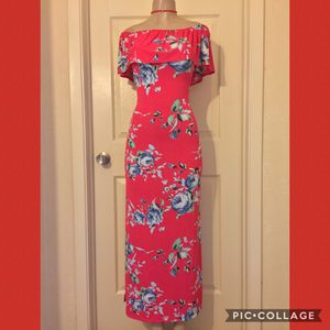 *Red/Blue Floral Off-Shoulder Maxi Dress •S for Sale in Carrollton, TX