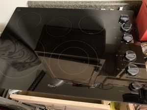 Whirlpool Gold series electric cooktop range $280 for Sale in Katy, TX