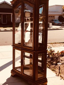 """Classical and beautiful Curio Cabinet , Dimensions: high 85""""length 41""""Deep15"""" for Sale in Seal Beach,  CA"""