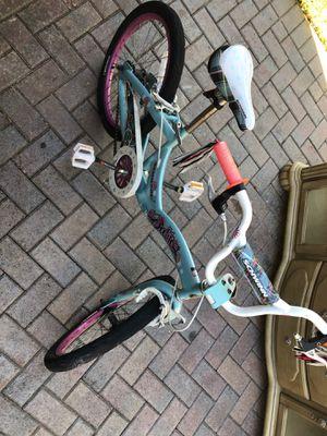 Schwinn girls bike wheel size 20 x 2.20 for Sale in Pompano Beach, FL