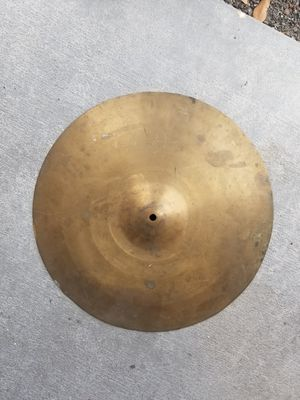 Large cymbal for Sale in Brandon, FL