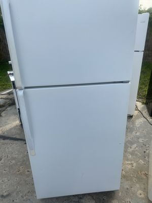 Top and bottom refrigerator for Sale in Fort Lauderdale, FL
