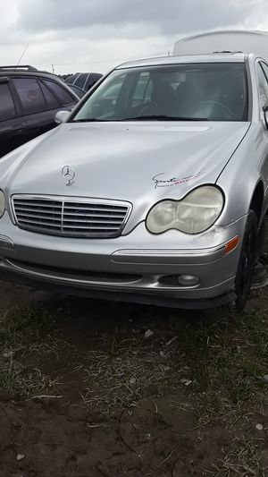 2002 Mercedes Benz C240 for parts for Sale in Houston, TX