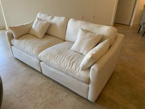 NEW Cream Color Sectional Couch with Ottoman, Seats 5 for Sale in North Miami Beach, FL