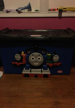 Thomas the train toy box for Sale in Davenport, IA
