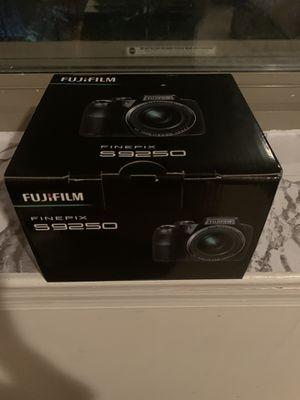 fujifilm finepix s 9250 digital camera as new never use for 120$ for Sale in Alexandria, VA