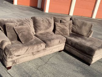 Albany Industries 2 Pc Sectional Couch Free Delivery for Sale in Hayward,  CA