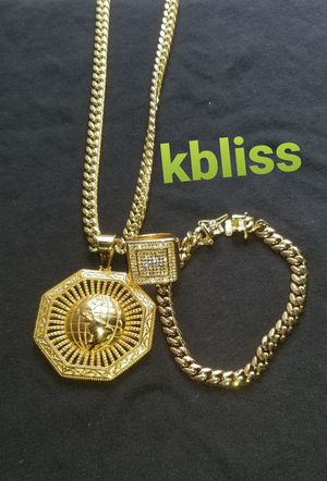 🔥🔥🔥14k Gold Plated Miami Cuban Link Chain w Pendant , Ring and Bracelet Set....Available for Pick up or Delivery 🚚🚗 for Sale in Miami, FL