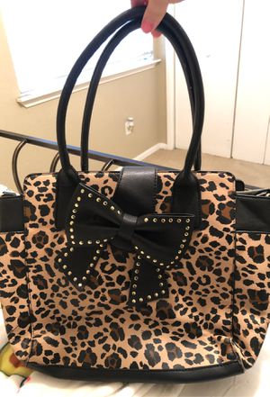 Betsey Johnson purse for Sale in Dickinson, TX