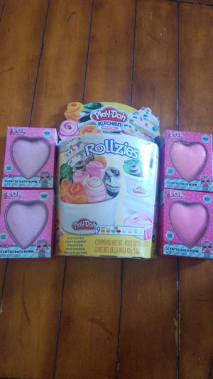 New playdoh rollies ice cream toy set & 4 LOL bath bombs with surprises inside birthday gift Easter basket filler nwt for Sale in Gilbert, AZ