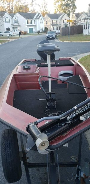 1986 Stratos bass boat for Sale in Newport News, VA