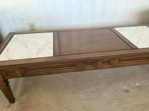 4 piece living room table set BEST OFFER not free nothing lower than $150 for Sale in Columbus, OH
