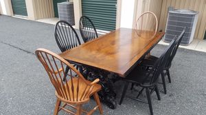 BROWN & BLACK CLASSIC ANTIQUE DINING ROOM TABLE W/ 6 CHAIRS for Sale in Bel Air, MD