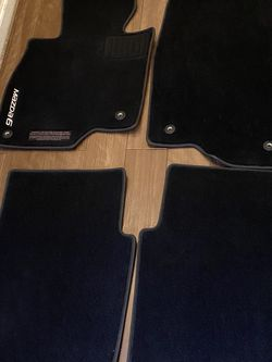 Mazda 2016 floor Mats like New.. for Sale in Tualatin,  OR