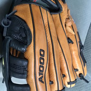 """Wilson A1000 11 1/2"""" Youths Baseball Glove for Sale in Carson, CA"""