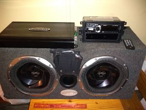 """10"""" speakers with amplifier and radio / stereo system for Sale in La Vergne, TN"""