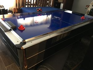 Air hockey table for Sale in UNIVERSITY PA, MD