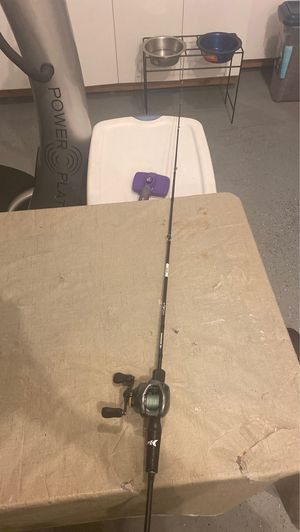 Kastking crixus light fast action rod 6'00 works amazingly just decided i wanted a heavy action rod for steelhead run dm offers for Sale in West Linn, OR