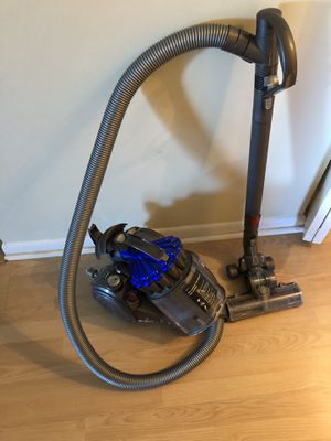 Dyson DC23 Turbinehead Canister Vacuum for Sale in Cooper City, FL