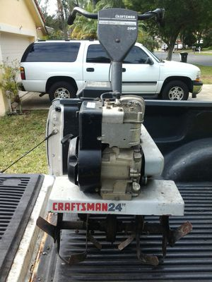"""Craftsman frontline tiller 24 """" wide gas only 4 cycle engine runs great! for Sale in Pompano Beach, FL"""