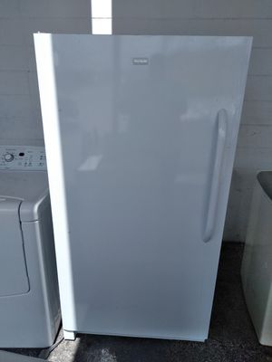 Frigidaire freezer for Sale in Orlando, FL