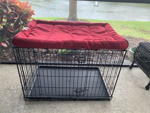 I Crate with Kong Mat for Sale in St. Petersburg, FL