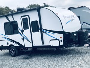 Hardly used privately owned -2019 Palomino Travel -Lite Trailer for Sale in Salisbury, NC