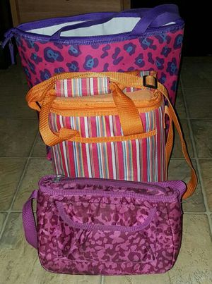 3 Insulated Bags (bag, cooler & lunchbox) for Sale in Glen Burnie, MD