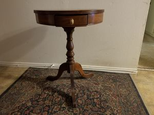 Antique solid wood pedestal table for Sale in Los Angeles, CA