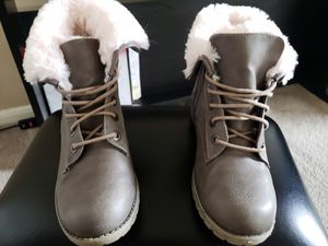 Justice Hiking Boots w/Pink Faux Fur for Sale in Cypress, TX